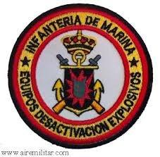 Escudos e insignias para uniformes y dotaciones