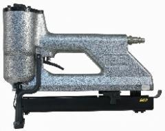 Machine for straps stitching