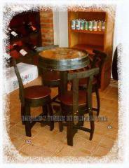 Juego de 4 sillas y una mesa
