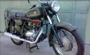 دراجات نارية الكلاسيكية (الطريقية)