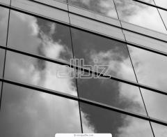 Producción de vidrio laminado y blindado