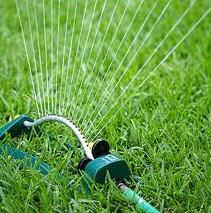 Montaje de los sistemas de riego en invernaderos