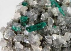 Servicio de extracción de yacimientos de minerales no metálicos