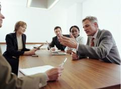 Asesorar al sector empresarial, en temas